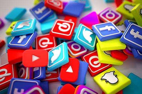 Teilen Sie Ihre Social Media Seite mit BroadCastl